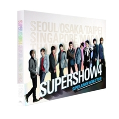 WORLD TOUR SUPERSHOW 4 (CONCERT PHOTOBOOK)(書籍/輸入商品)