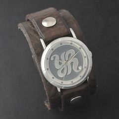 原由実 × Red Monkey Designs Collaboration Wristwatch MEN'S/CHOCOLATE