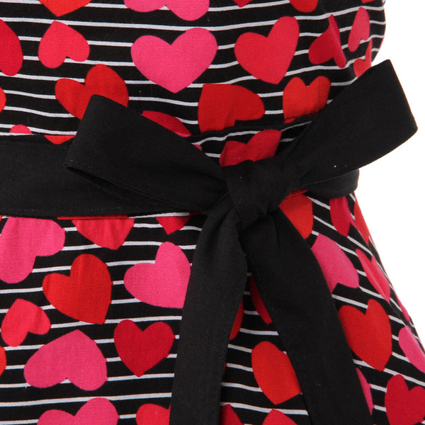 KAHRI HOME RED HEARTSSTRIPES APRON